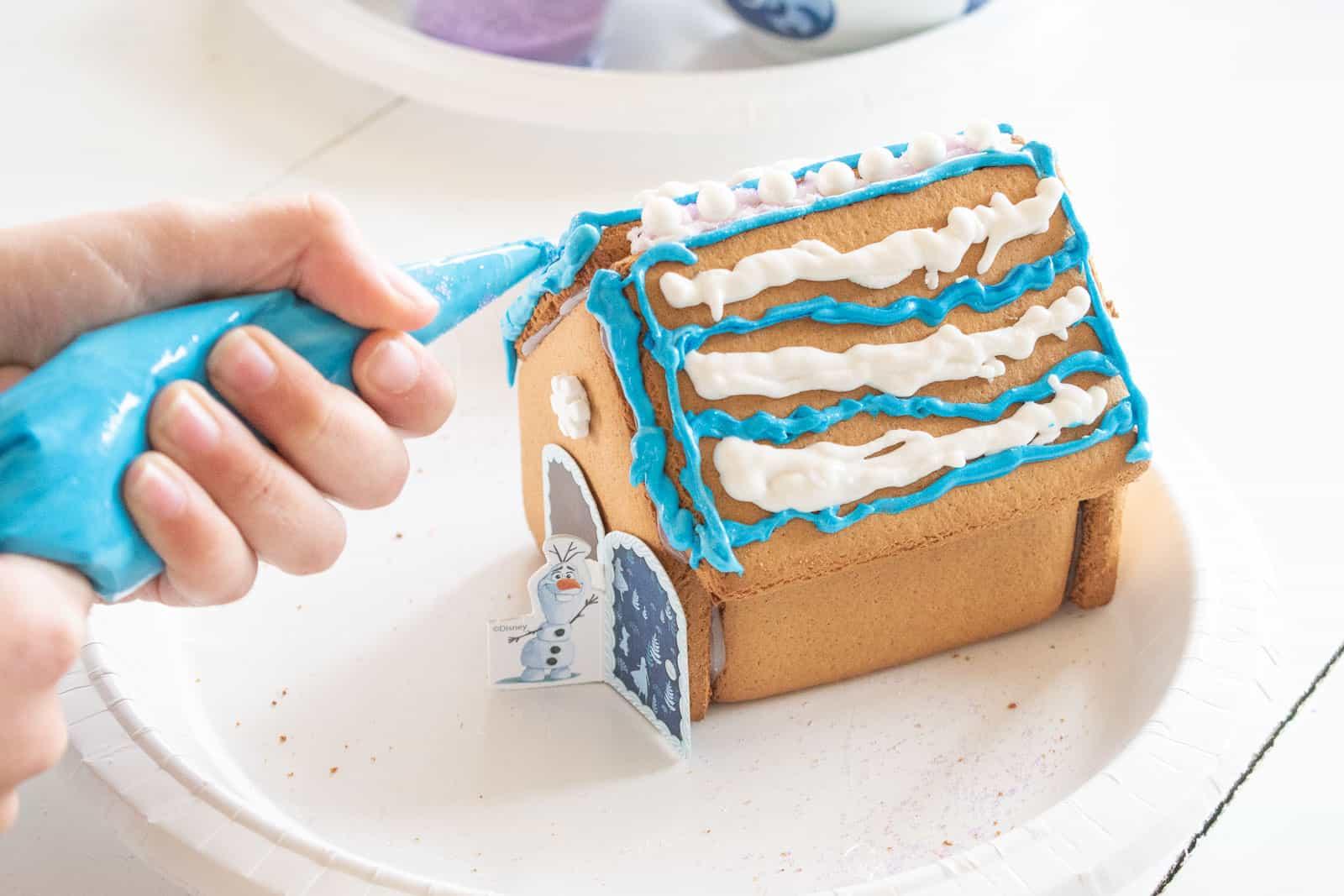 frozen 2 gingerbread houses