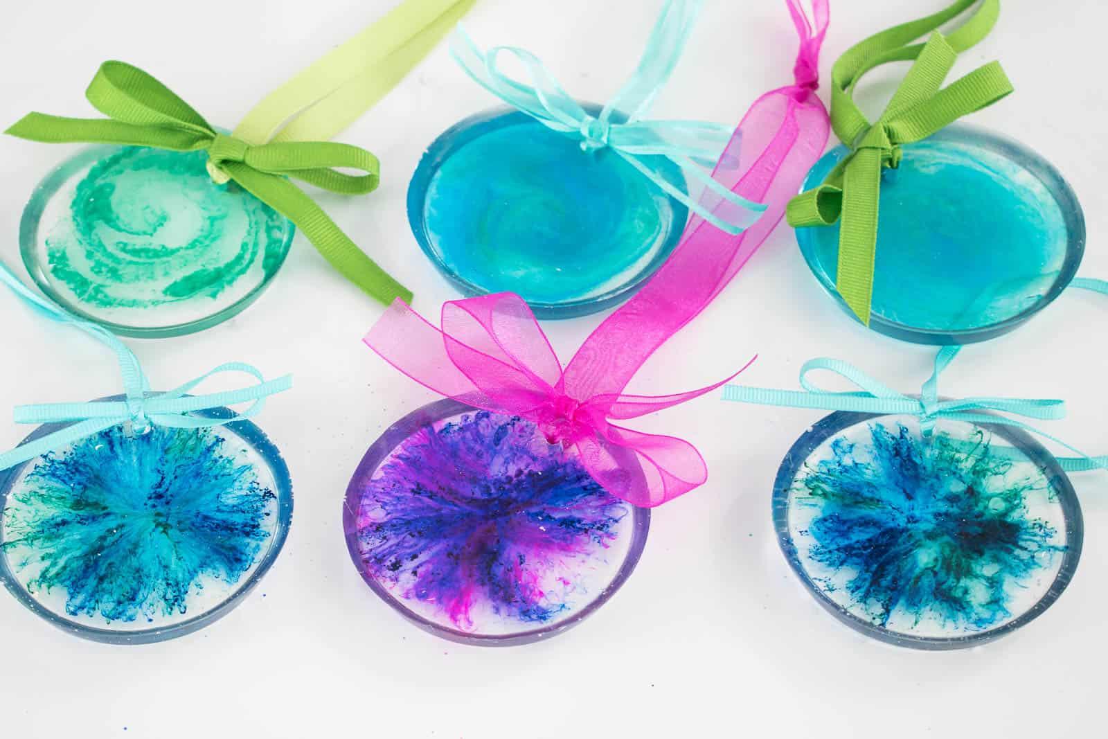 epoxy pour ornaments