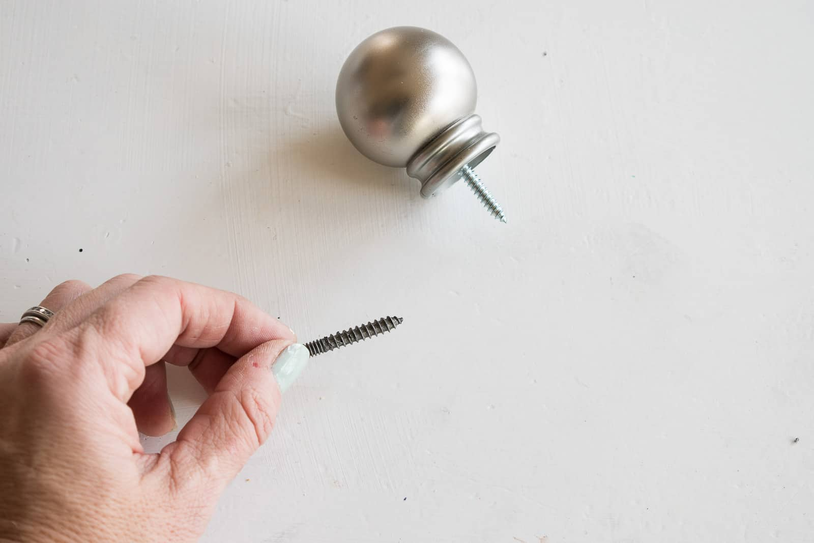 match the finial screws to hanger bolts