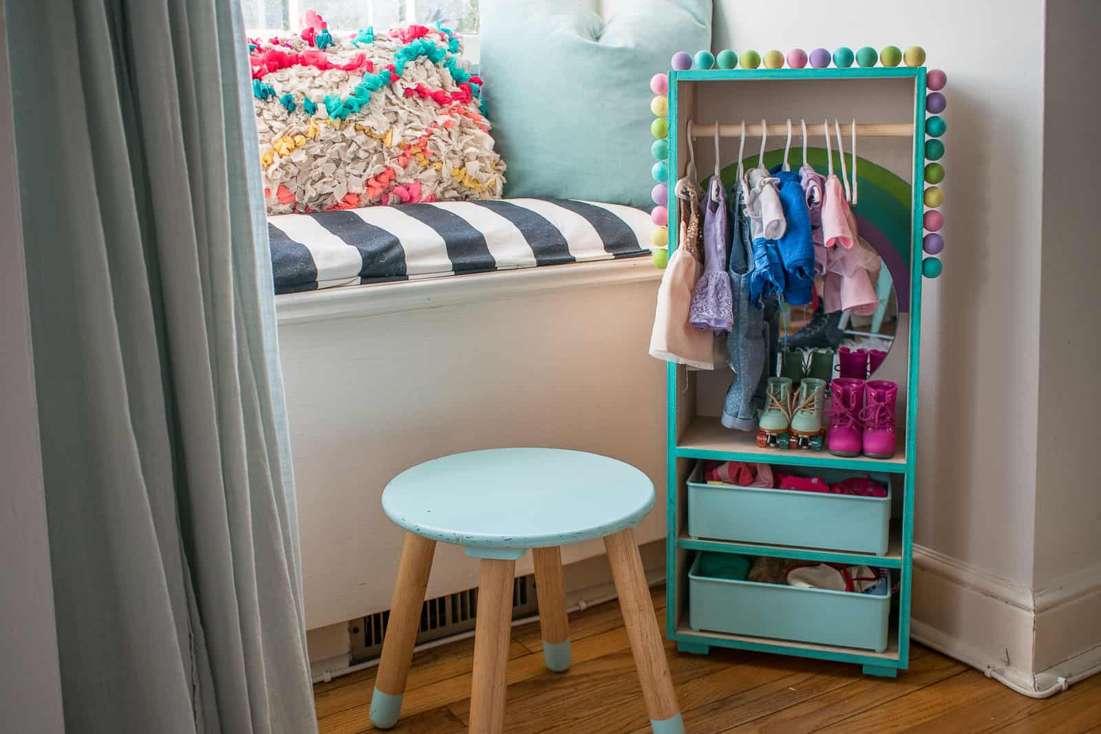 doll clothes closet