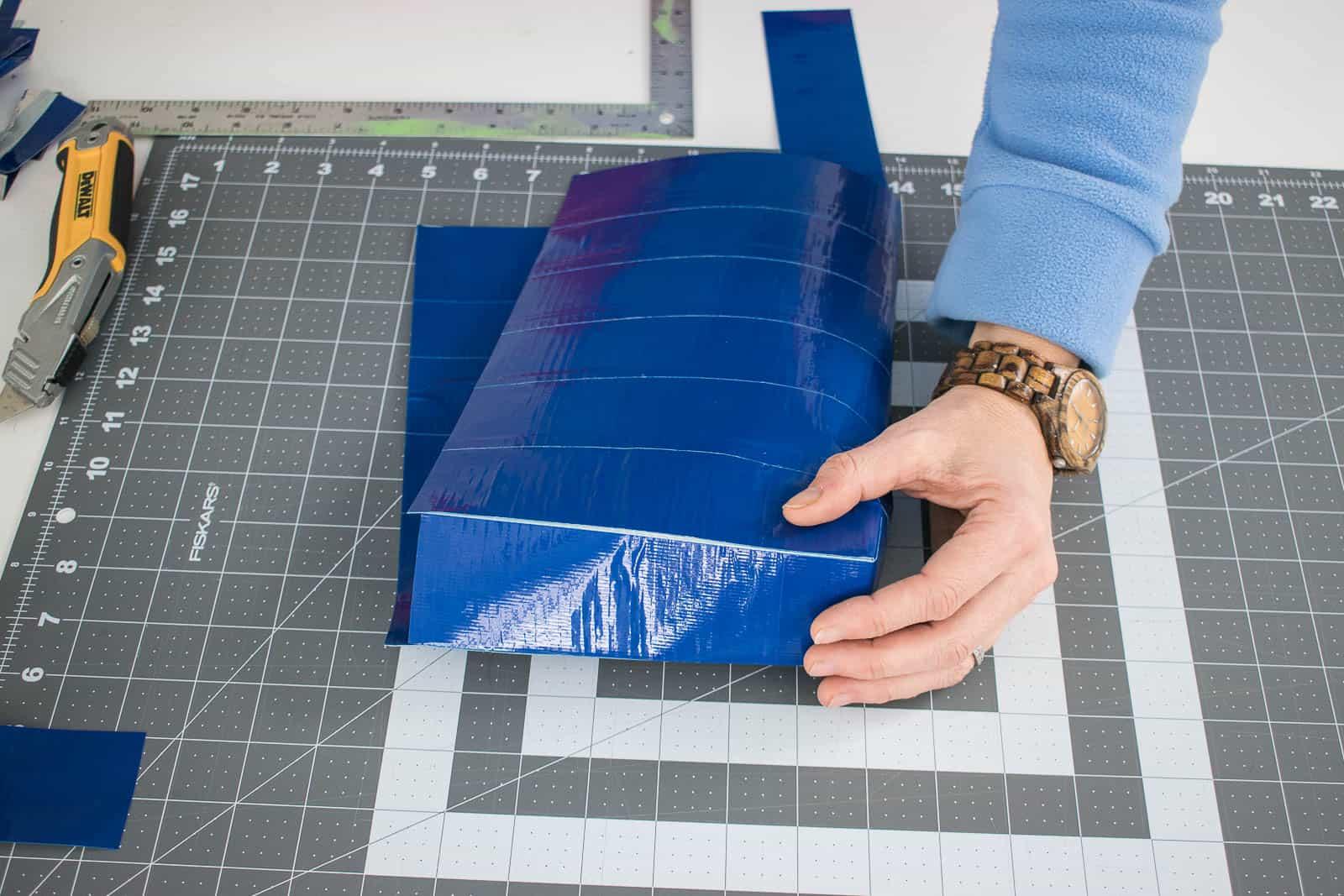 create side panels to make the bag shape