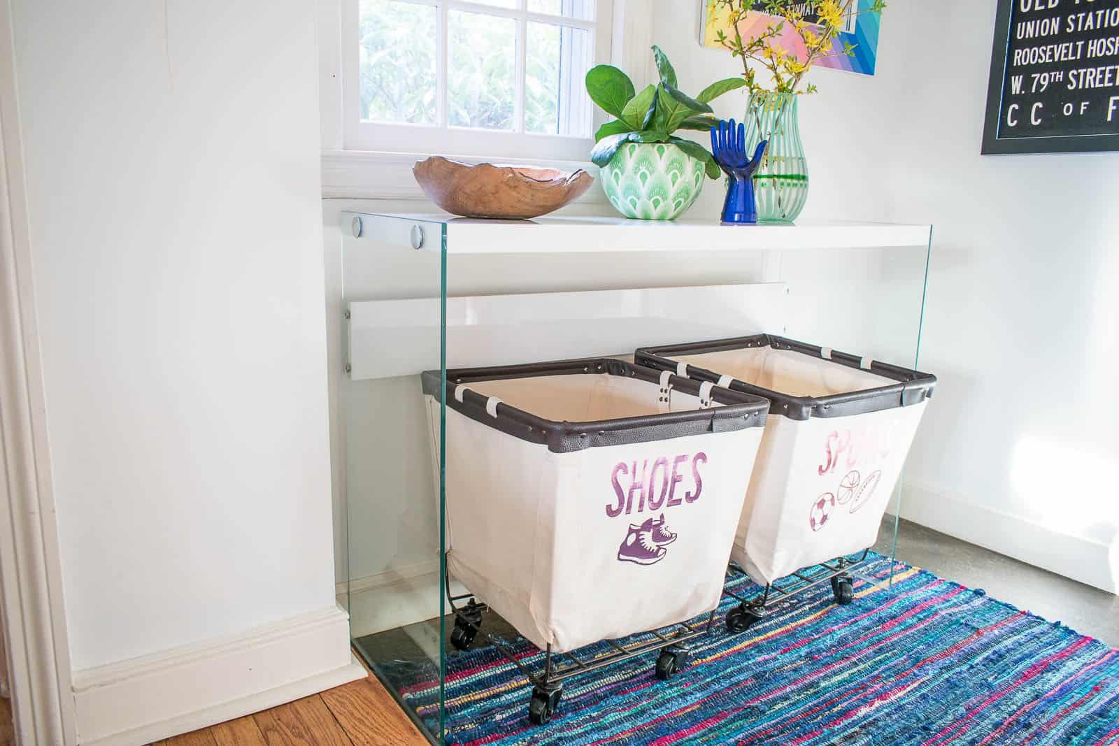 labels on canvas bins