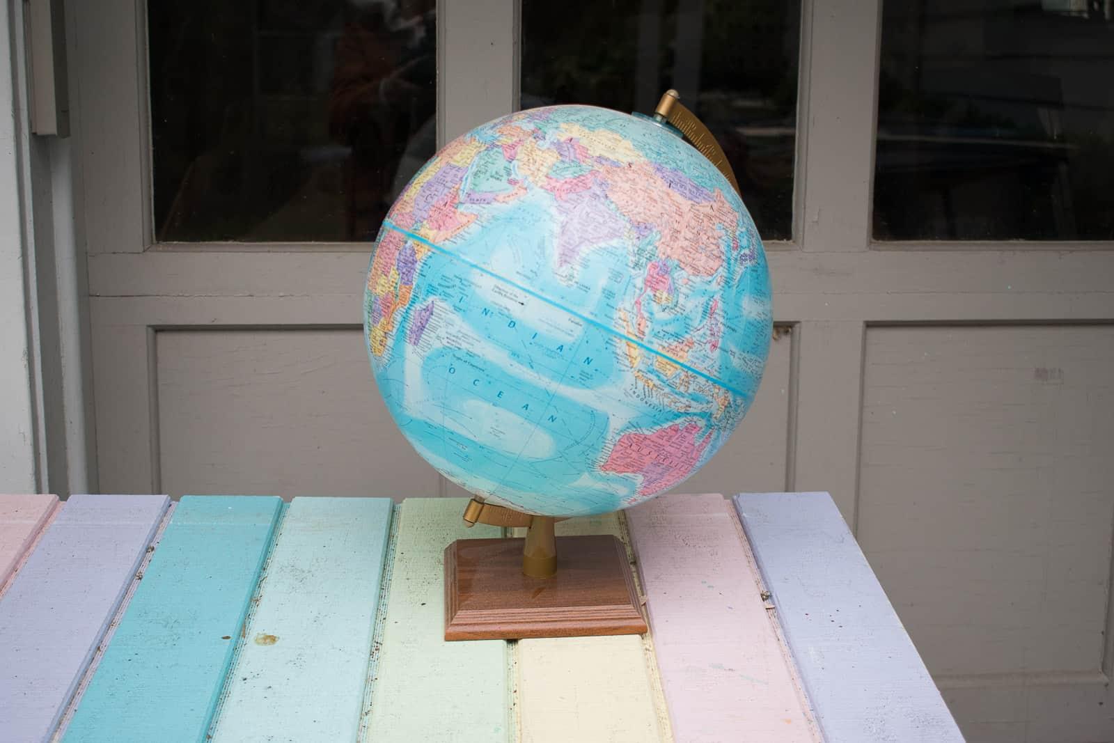 thrifted globe