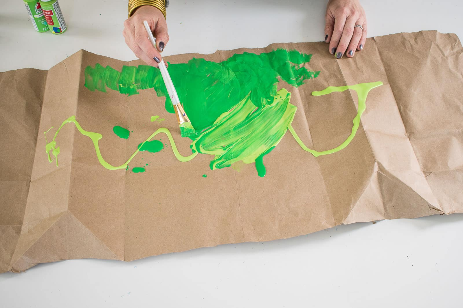 paint the paper shopping bag