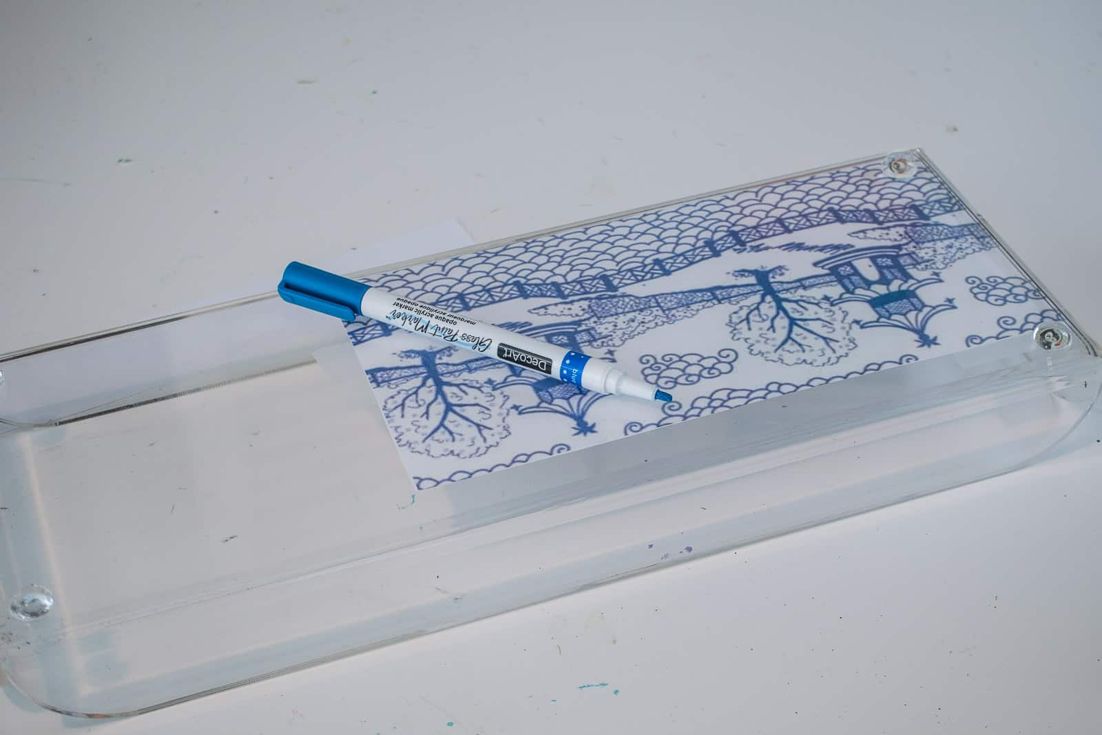printed pattern on acrylic tray
