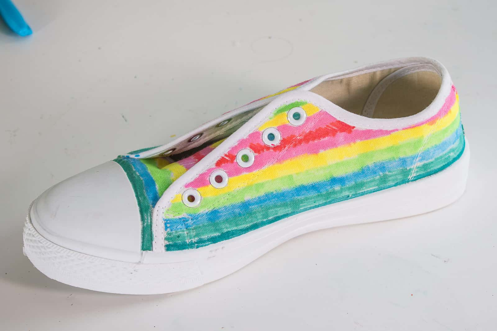 colored sharpie marker shoes