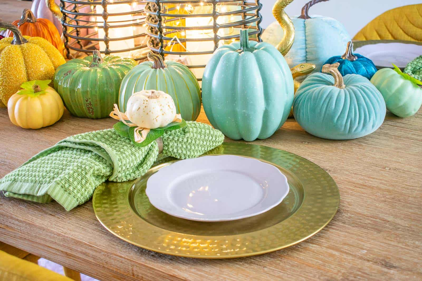 napkins and fall place setting