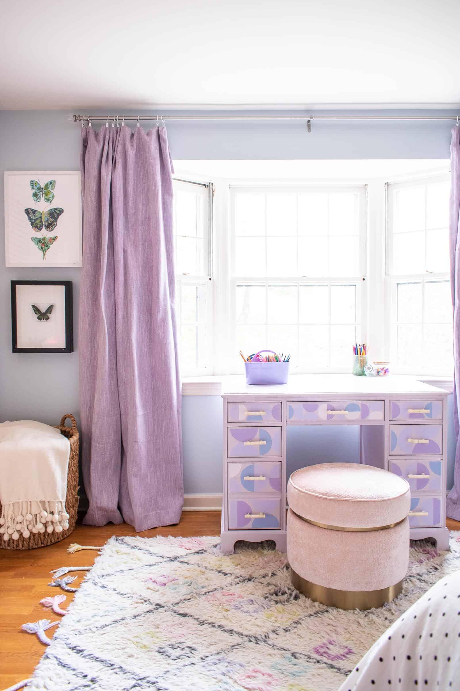 desk in girls room