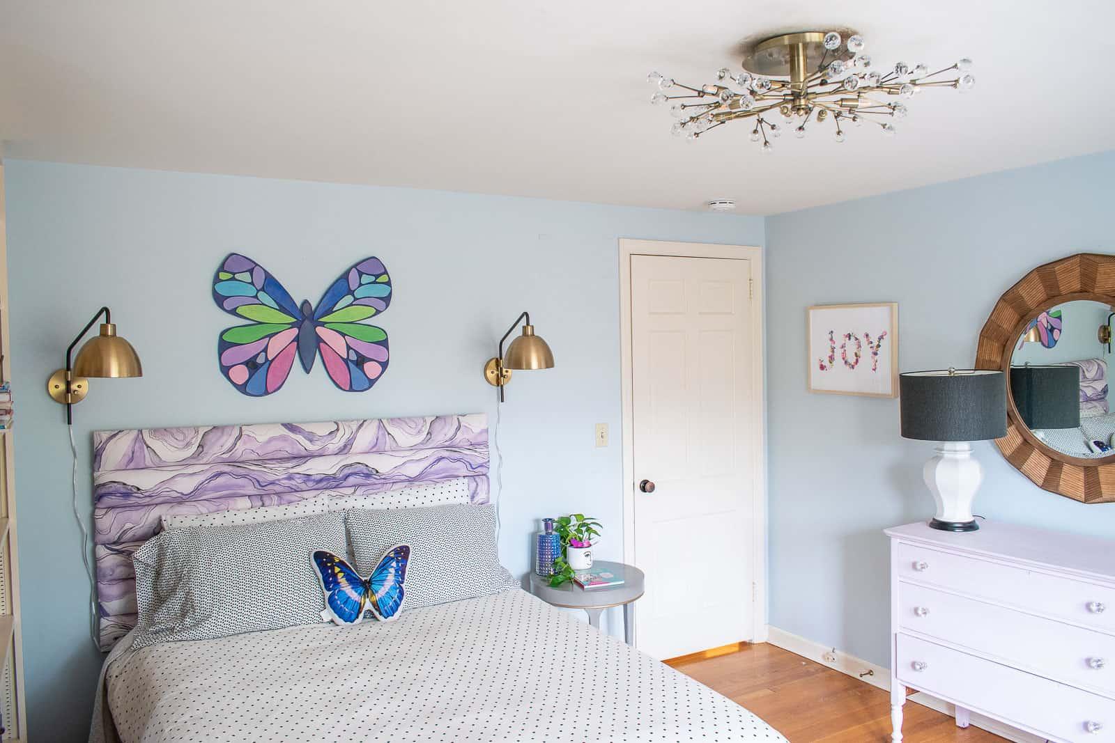 pendant light in girls bedroom