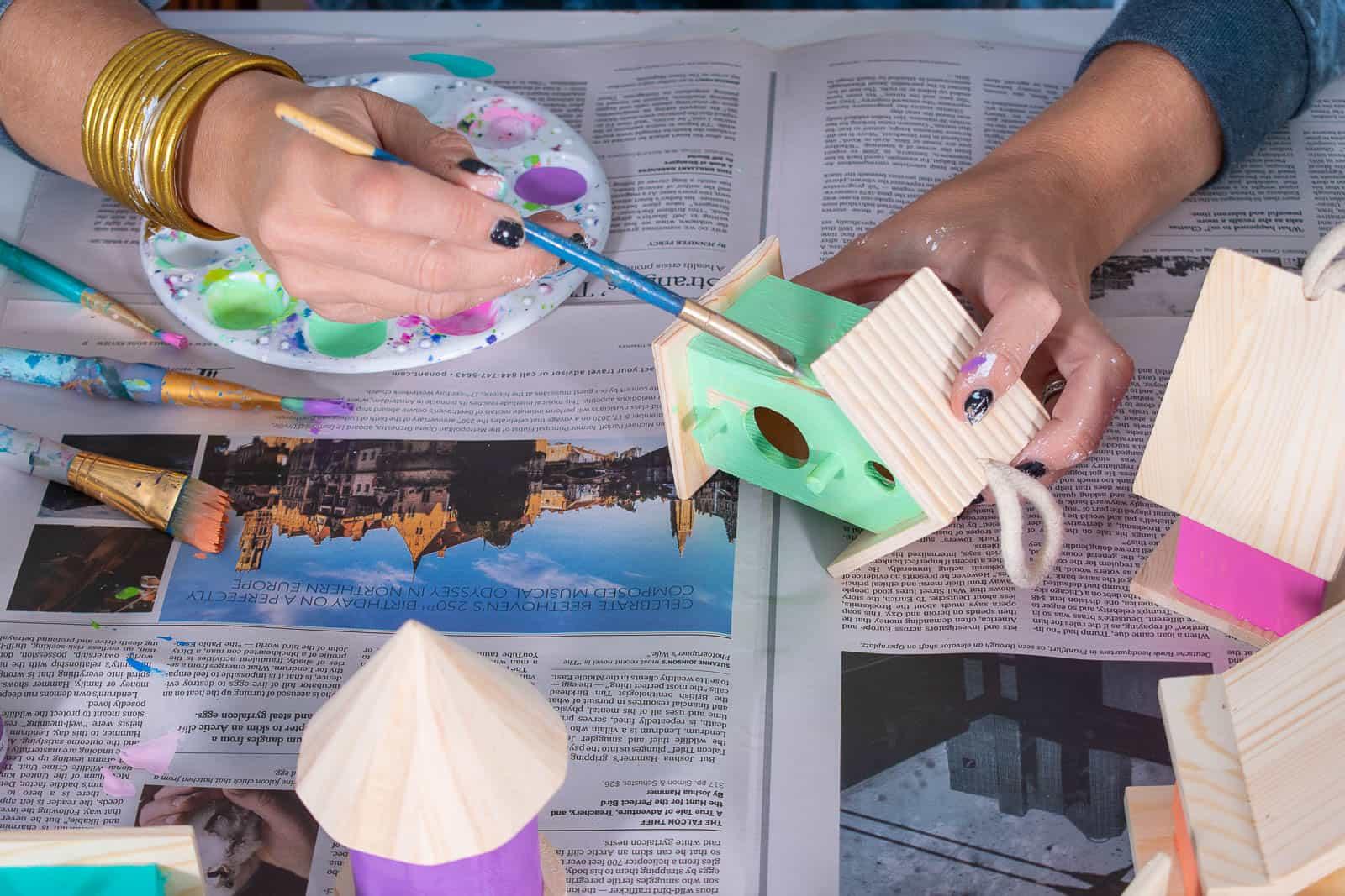 paint wooden birdhouses