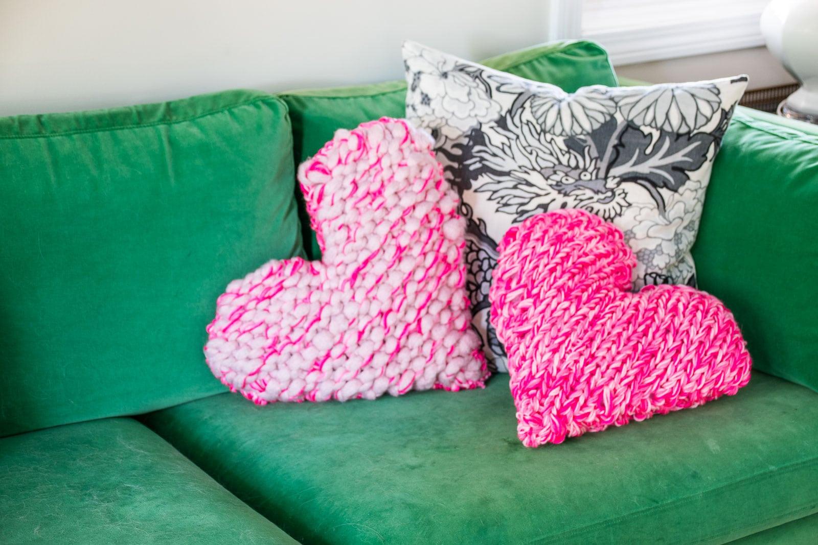 diy knitted heart pillows