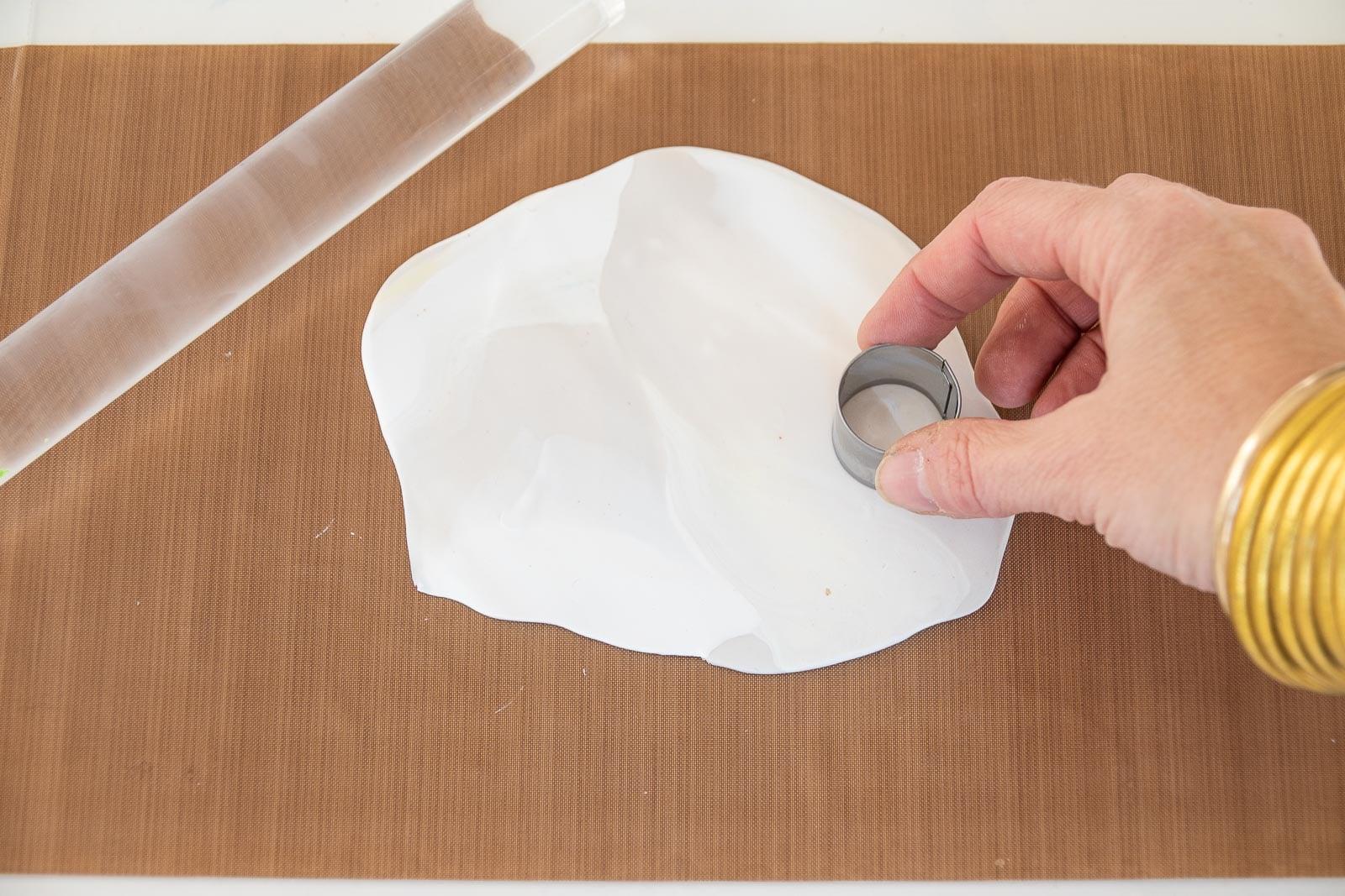 cut clay into circles