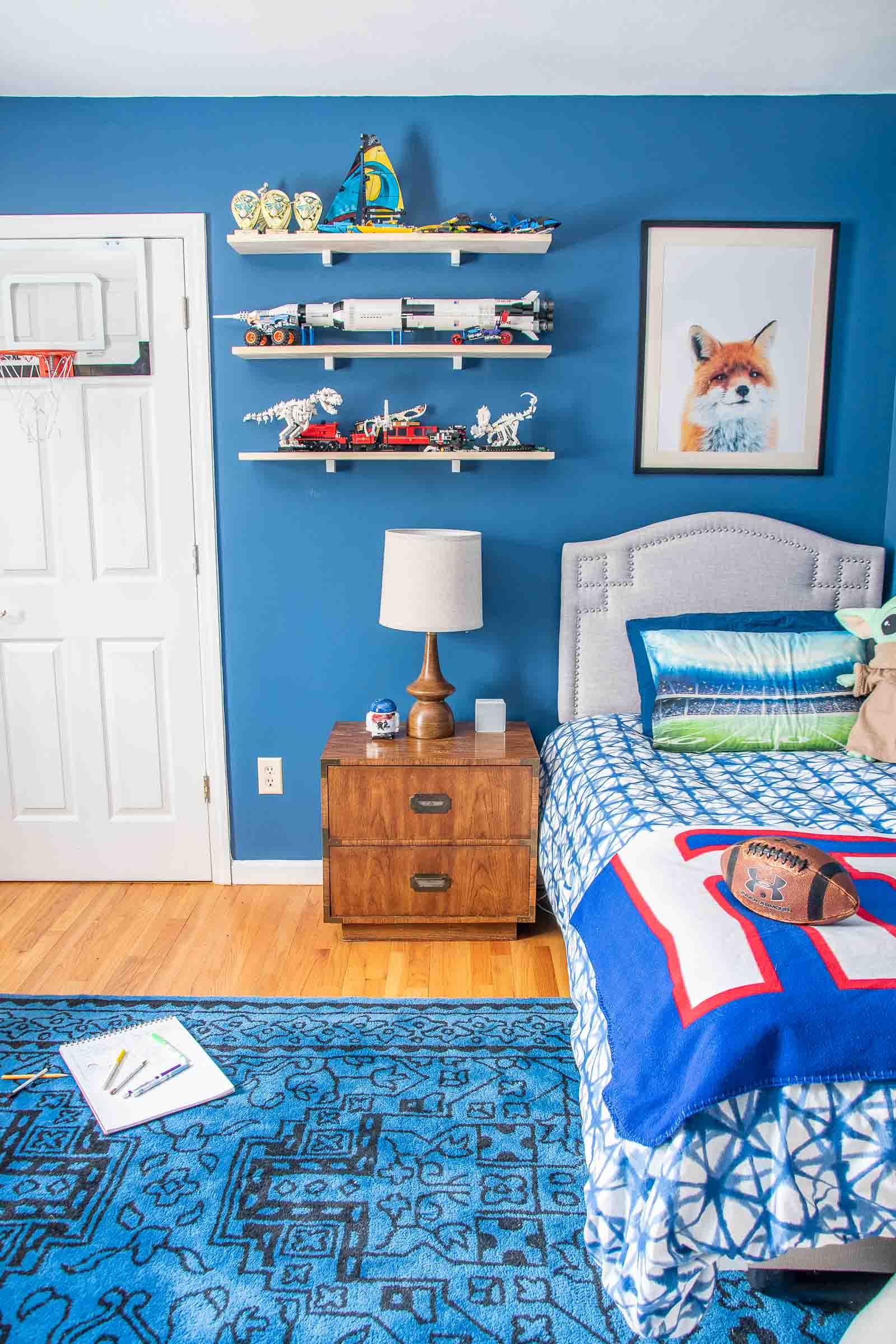 nayv blue boys room