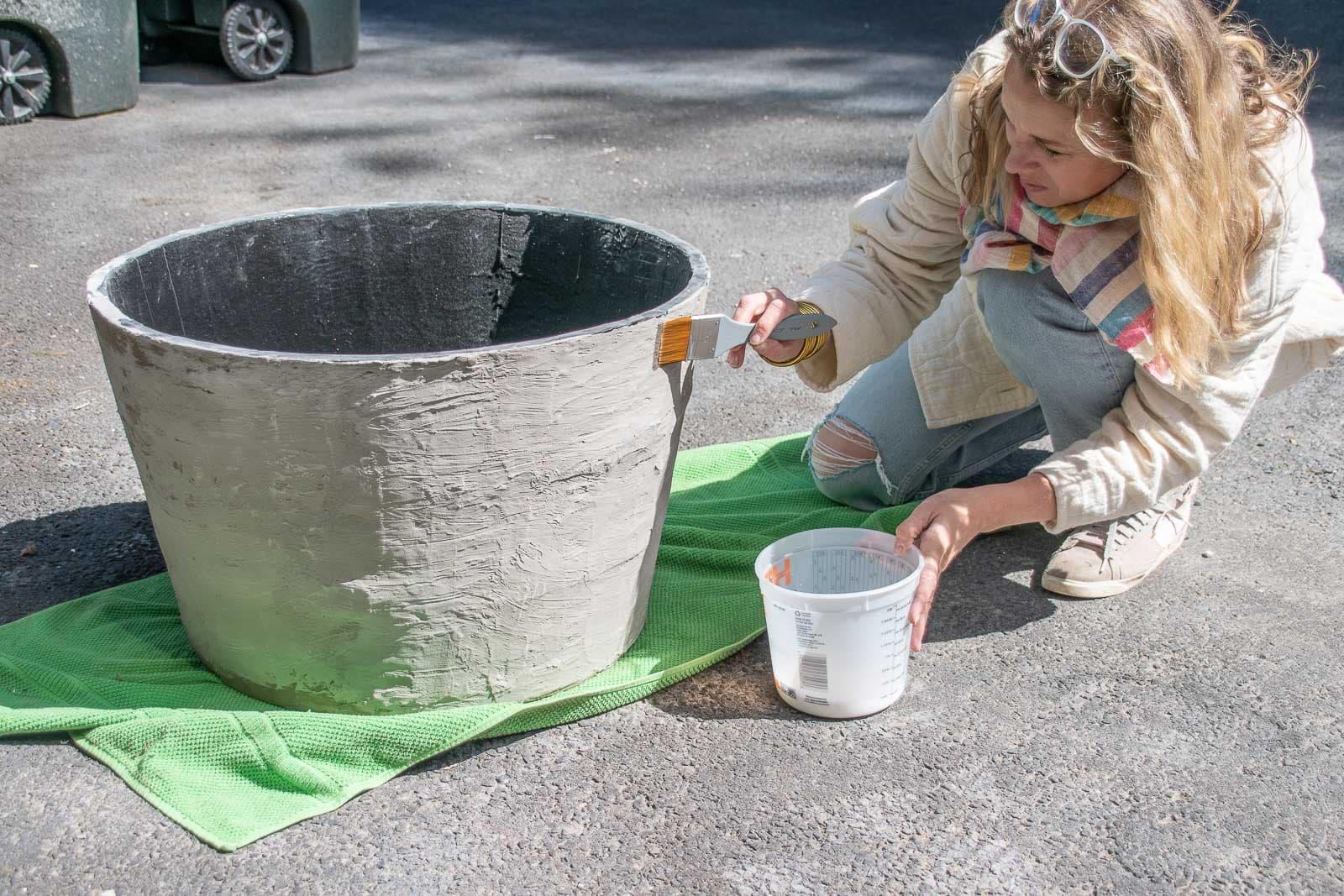 apply concrete sealer