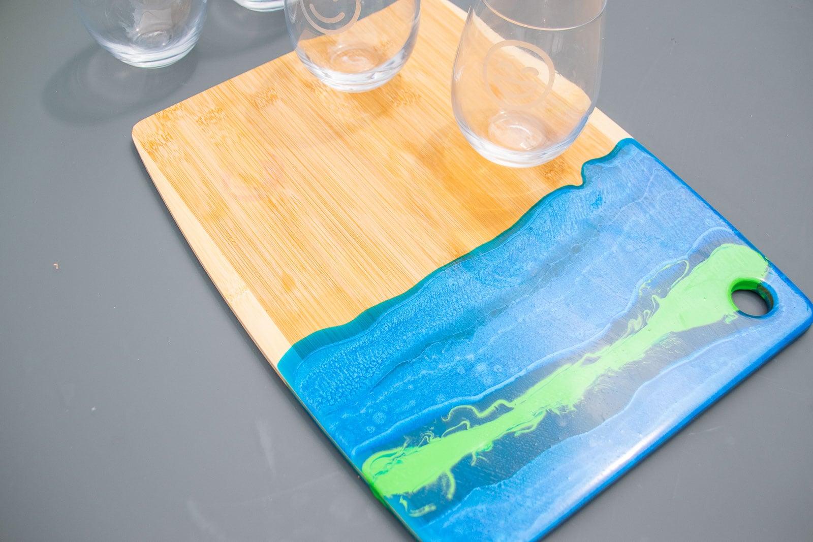 epoxy pour cheeseboard